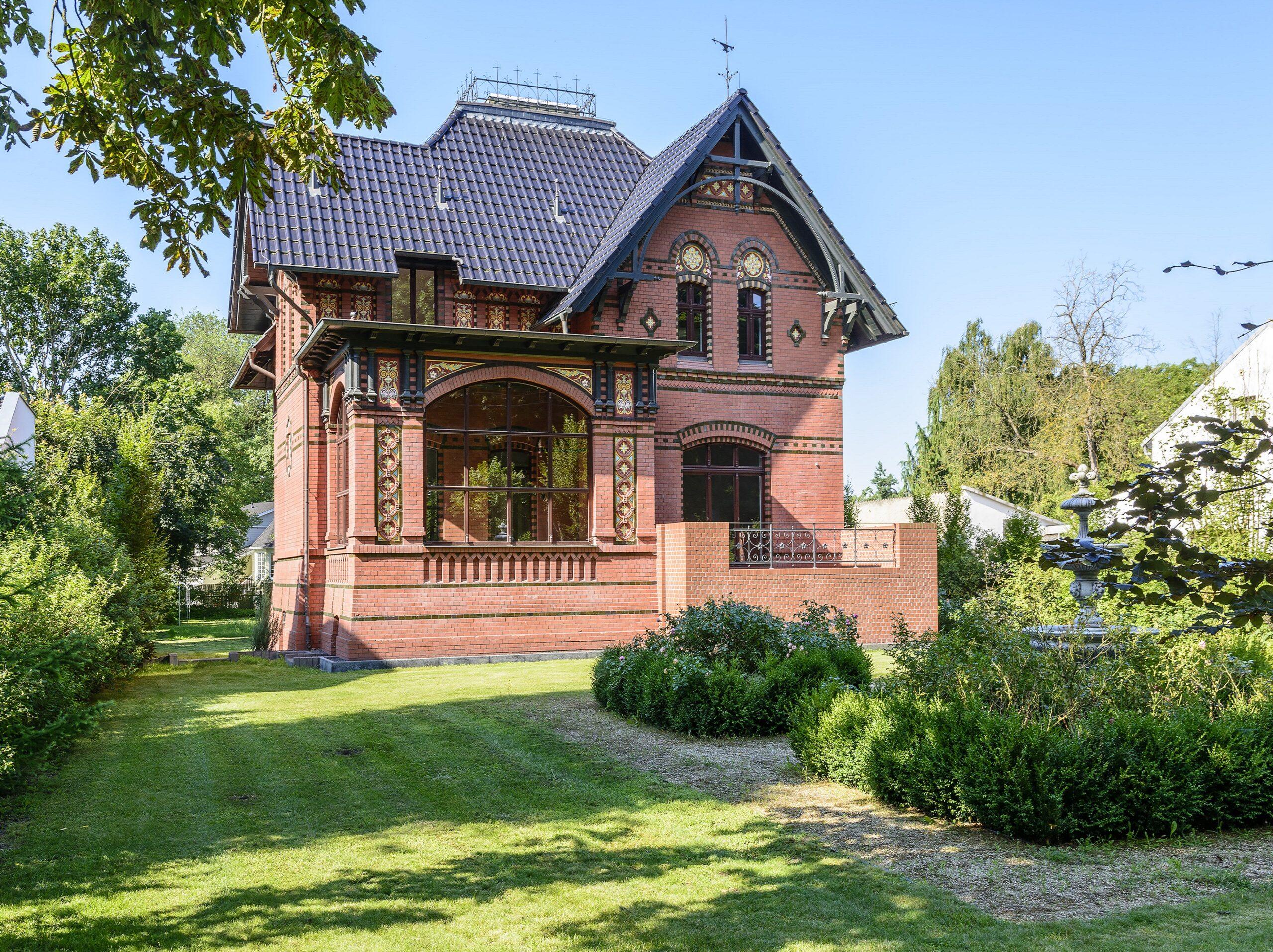 Villa Sommerfeld, bei Berlin – früher exquisiter Jugendstil